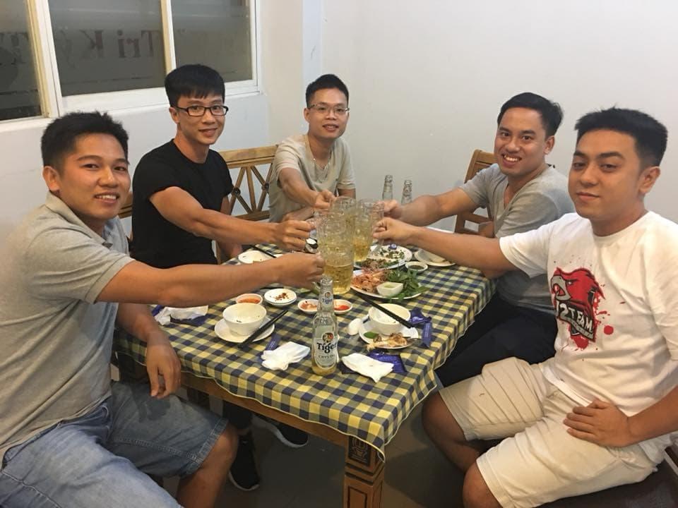 Sầm Minh Tuấn và những người bạn